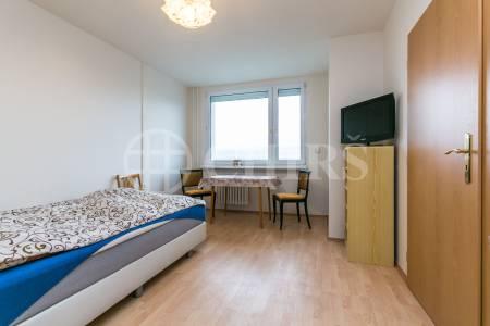 Prodej bytu 3+1 s lodžií, DV, 70m2, ul. V Jezírkách 1540/6, Praha 11 - Chodov