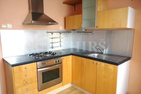 Prodej bytu 3+1/L, OV, 77 m2, ul. Cihlářská 781/10, Praha 9 - Prosek