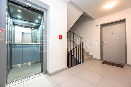 Pronájem bytu 2+kk, OV, 48m2, ul. Bieblova 3335/8, Praha 5-Smíchov