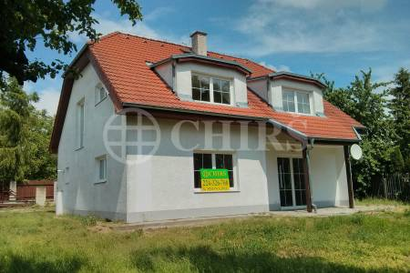 Pronájem rodinného domu 6+1, OV, 220m2, Ul. Na losách 239, Praha - Písnice