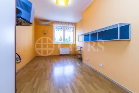 Prodej bytu 4+kk/T, OV, 170m2, ul. Klausova 2541/15, Praha 5 - Stodůlky