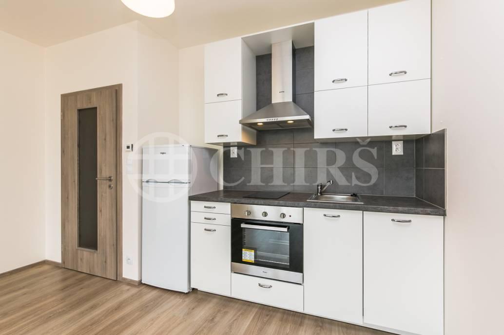 Pronájem bytu 2+kk s lodžií, OV, 56 m2, ul. Sazovická 507/16, Praha 5 - Zličín