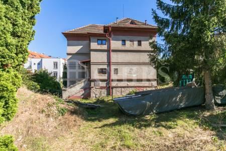 Prodej RD 5+kk, OV, 240m2, ul. V Luhu 716/3, Praha 4 - Nusle