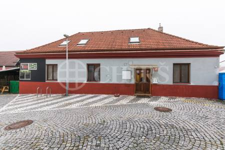 Prodej komerčního objektu, OV, 223m2, ul. U Národní galerie 481, Praha 5 - Zbraslav