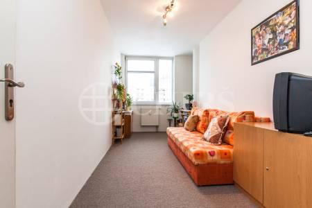 Prodej bytu 2+kk, OV, 45m2, ul. Trnkovo náměstí 1112/1, Praha 5 - Barrandov