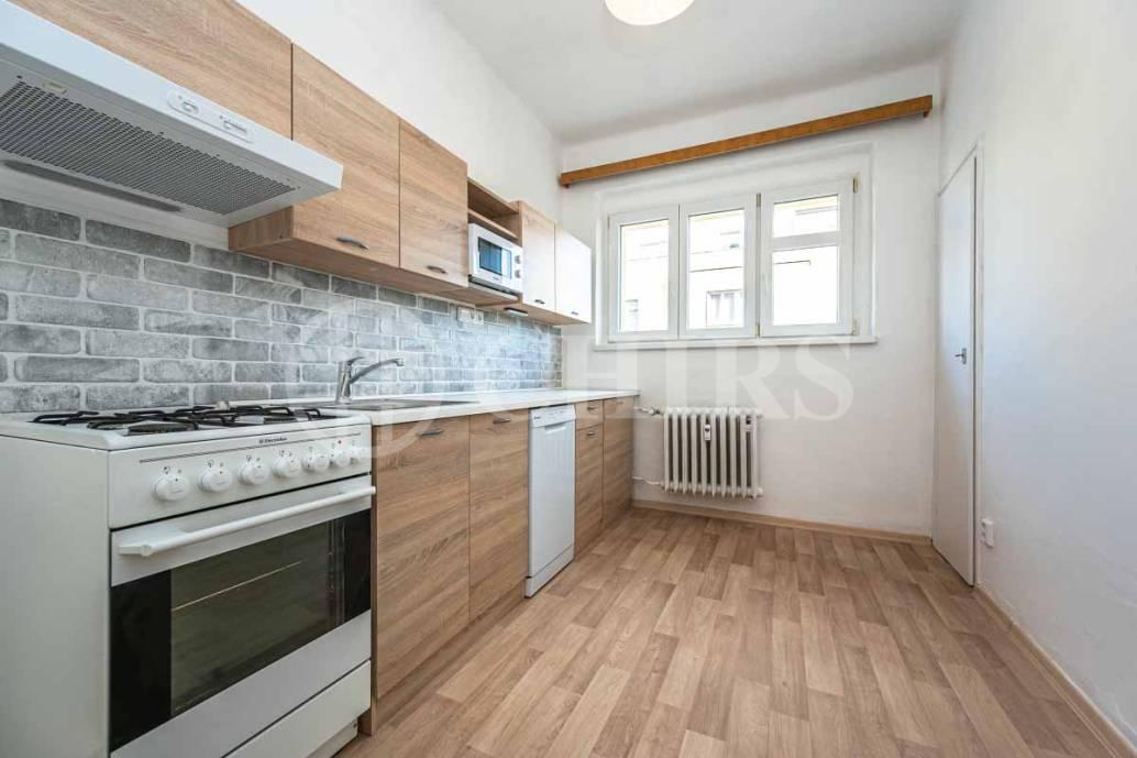 Pronájem bytu 2+1, OV, 59m2, ul. Nad Kajetánkou 207/21, Praha - 6 Břevnov