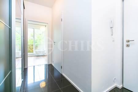 Prodej bytu 1+kk s balkonem, OV, 33m2, ul. Silurská 1225/4a, Praha 5 - Hlubočepy