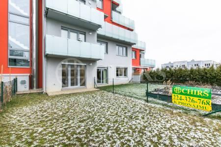 Pronájem bytu 1+kk s terasou a předzahrádkou, OV, 34m2, ul. Kakosova 1188/3, Praha 5 - Řeporyje