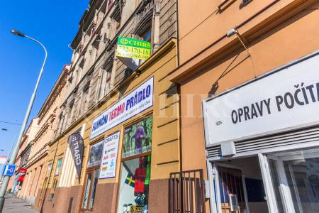 Pronájem bytu 1+1, OV, 40 m2, ul. Plzeňská 796/82, Praha 5 - Košíře