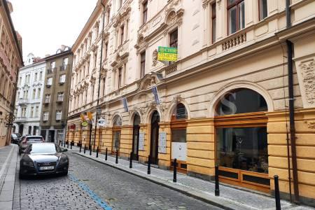 Pronájem kanceláře, 20 m2, Týnská 21, Praha 1.