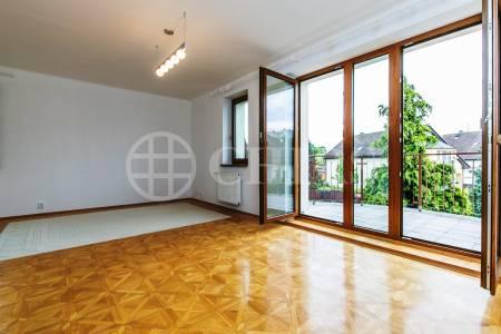 Pronájem rodinného domu 7+1, OV, 420m2, ul. U Albrechtova Vrchu 1182/12, Praha 5 - Stodůlky