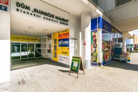 Pronájem komerčního objektu, OV, 109m2, ul. Sluneční náměstí 2583/10, Praha 5 - Stodůlky
