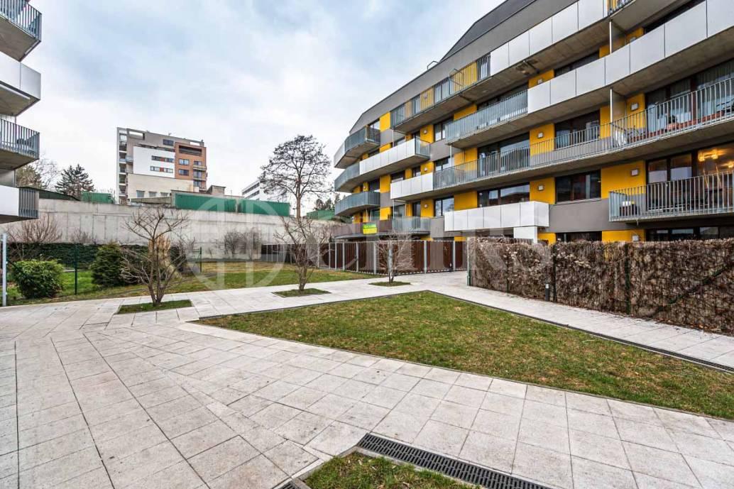 Prodej bytu 3+kk s balkonem, OV, 78m2, ul. Devonská 1223/7, Praha 5 - Barrandov