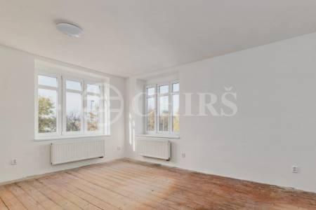 Prodej bytové jednotky s balkónem Za Vokovickou vozovnou 362/19, Praha 6
