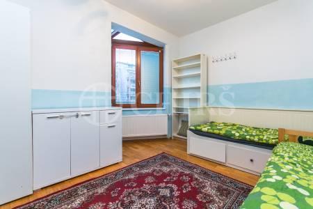 Pronájem bytu 3+kk s balkonem a garážovým stáním, OV, 64 m2, ul. Lindleyova 2686/1, Praha 6 - Dejvice