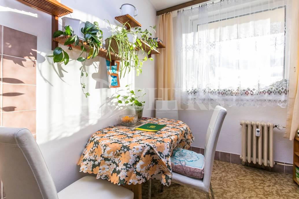 Prodej bytu 3+1 s lodžií, OV, 75m2, ul. Španielova 1287/14, Praha 6 - Řepy
