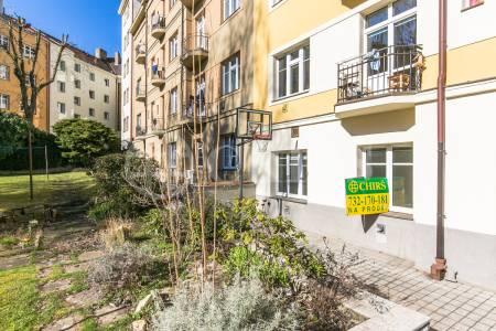 Prodej bytu 1+1, OV, 47 m2, ul. Na Dionysce 1755/8, Praha 6 - Dejvice