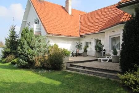 Prodej RD 8+2, OV, 311 m2, ul J.Kámena 93, Praha východ - Zdiby