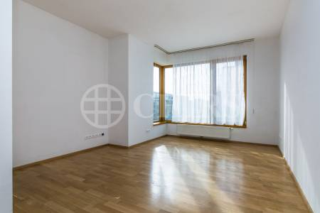 Prodej bytu 2+kk s balkonem a garážovým stáním, OV, 53m2, ul. Otopašská 855/1, Praha 5 - Jinonice