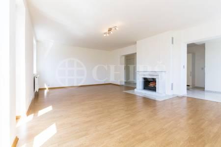 Prodej bytu 5+1 s balkonem, OV, 182m2, ul. Kvapilova 958/9, Praha 5 - Košíře