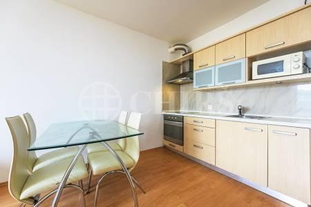 Pronájem bytu 3+kk s balkonem a garážovým stáním, OV, 69m2, ul. Smetáčkova 1486/6, Praha 5 - Stodůlky