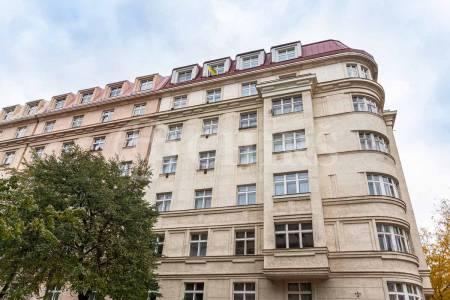 Pronájem bytu 1+1, OV, 28m2, ul. Lucemburská 2013/24, Praha 3 - Vinohrady