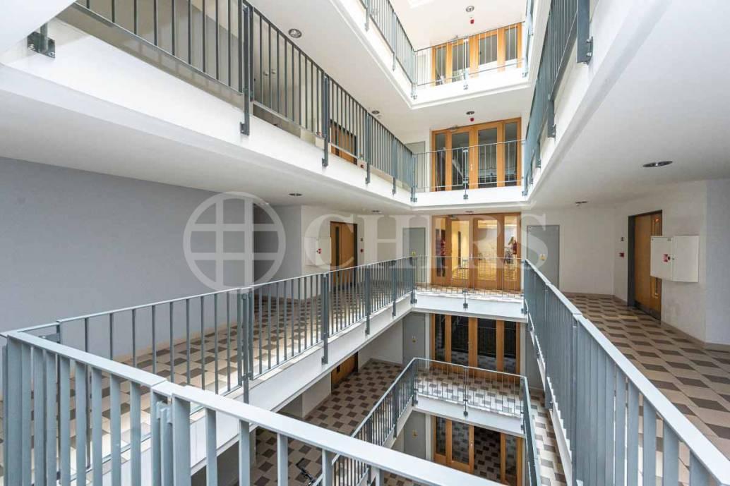Prodej bytu 2+kk se dvěma lodžiemi, OV, 50m2, ul. V Háji 1092/15, Praha 7 - Holešovice