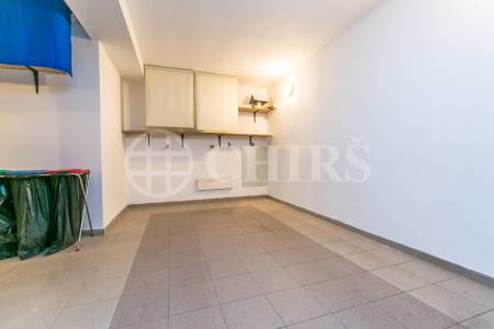 Pronájem bytu 4+1 s terasou a 2x garáží, OV, 176m2, ul. Klausova 2551/13, Praha 13 - Velká Ohrada