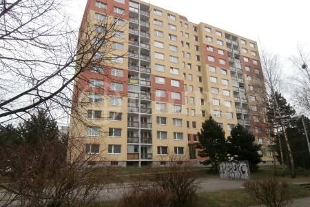 Pronájem bytu 3+1/L, 65m2, ul. Poljanovova 1, P-12  Modřany