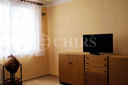 Prodej bytu 1+kk, OV, 29 m2, ul. Hnězdenská 585/14, Praha 8 Troja.