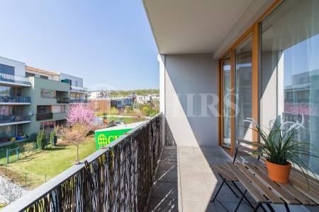 Prodej bytu 3+kk s balkonem, lodžií a garážovým stáním, OV, 86m2, ul. Vacínovská 830/1, Praha 5 - Jinonice