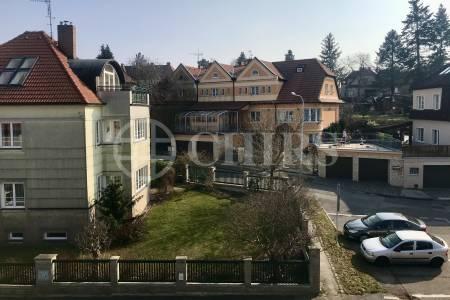 Prodej ideální 1/3 podílu na rodinném domě, Říčanova 887, Praha 6 - Břevnov