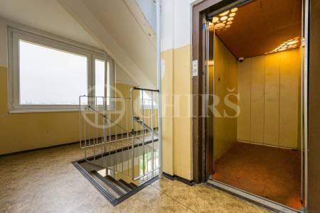 Prodej bytu 3+1 s lodžií, DV, 73m2, ul. Bellušova 1818/35, Praha 5 - Stodůlky