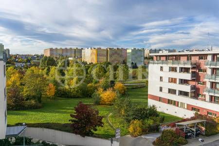 Prodej bytu 3+kk s lodžií a garážovým stáním, OV, 90m2, ul. Nová Kolonie 1451/3, Praha 5 - Stodůlky