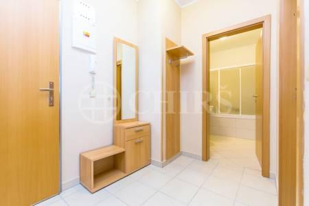 Pronájem bytu 2+kk s balkonem, OV, 58m2, ul. Petržílkova 2707/38, Praha 5 - Stodůlky