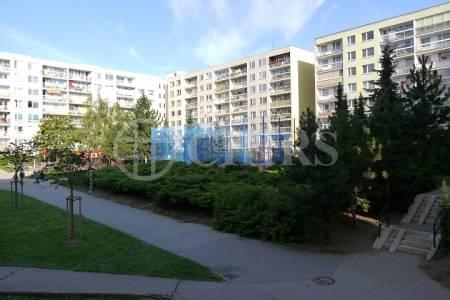 Pronájem bytu 3+kk/L,OV, 85m2, ul. Prusíkova 2435/3, Praha 13