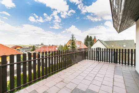 Prodej rodinného domu 8+2kk, OV, 600m2, V Zahradě 206, Zbuzany, Praha - západ