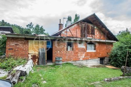 Prodej rozestavěné zděné chaty, OV, 69m2, osada Západní Míle, Ořech u Prahy