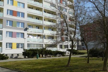 Prodej bytu 2+kk/gar. stání, OV, 41m2, ul. Růženinská 910, P-12 Kamýk