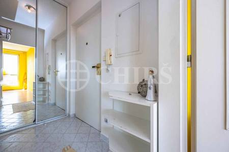 Pronájem bytu 1+kk, OV, 36m2, ul. Kodymova 2536/14, Praha-5 Stodůlky