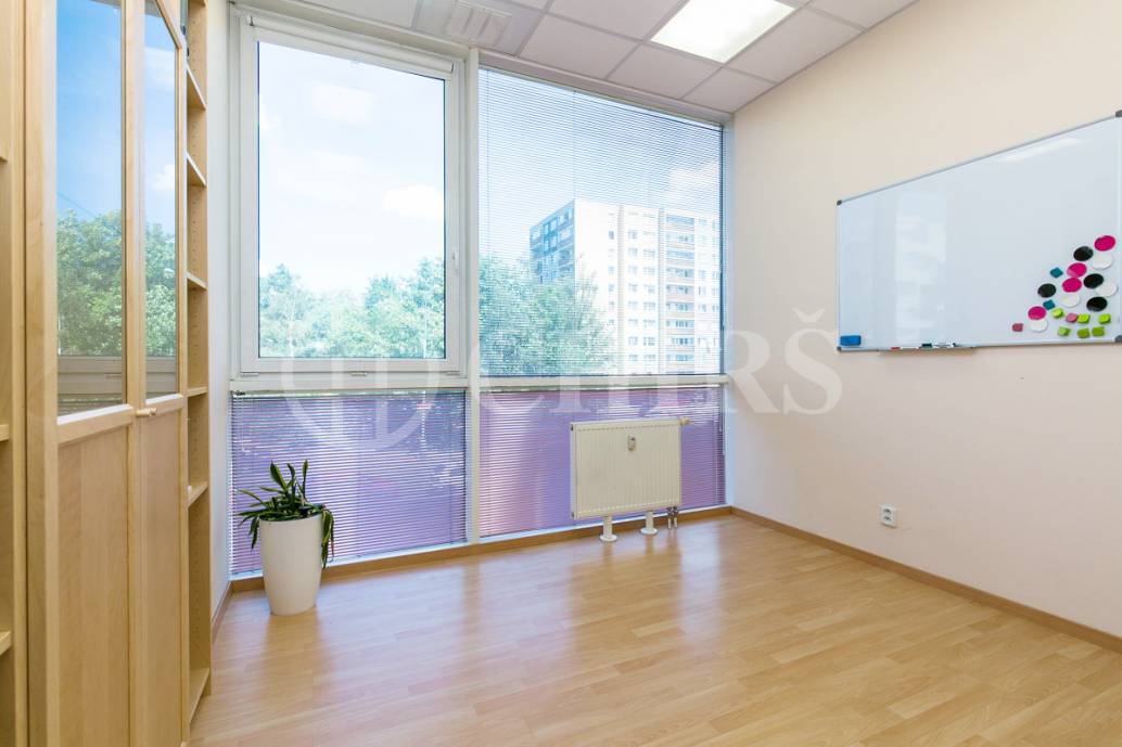 Pronájem kanceláře 3+kk, OV, 59m2, ul. Petržílkova 2583/15, Praha 5 - Stodůlky