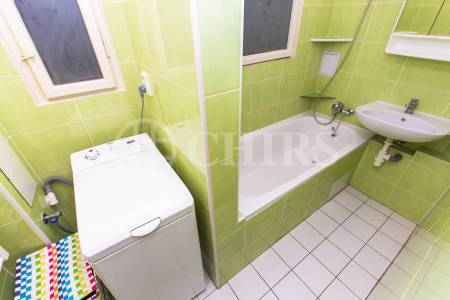 Pronájem bytu 1+kk, OV, 25 m2, ul. Na Hutích 689/6, Praha 6 – Dejvice